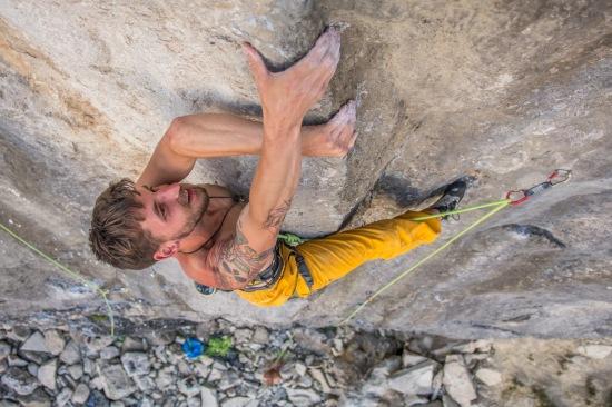 climber-james-pymn-climb-van-people-7a-coastguard-area-portland