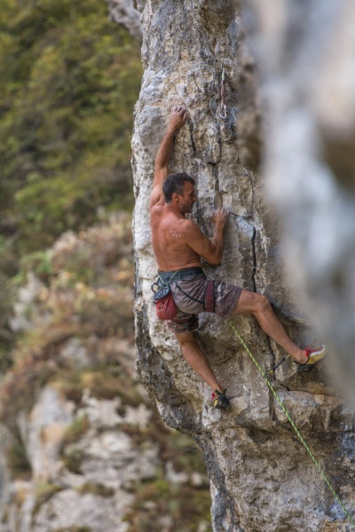 Rich Mayfield on Unknown 7a at Dryanovo.